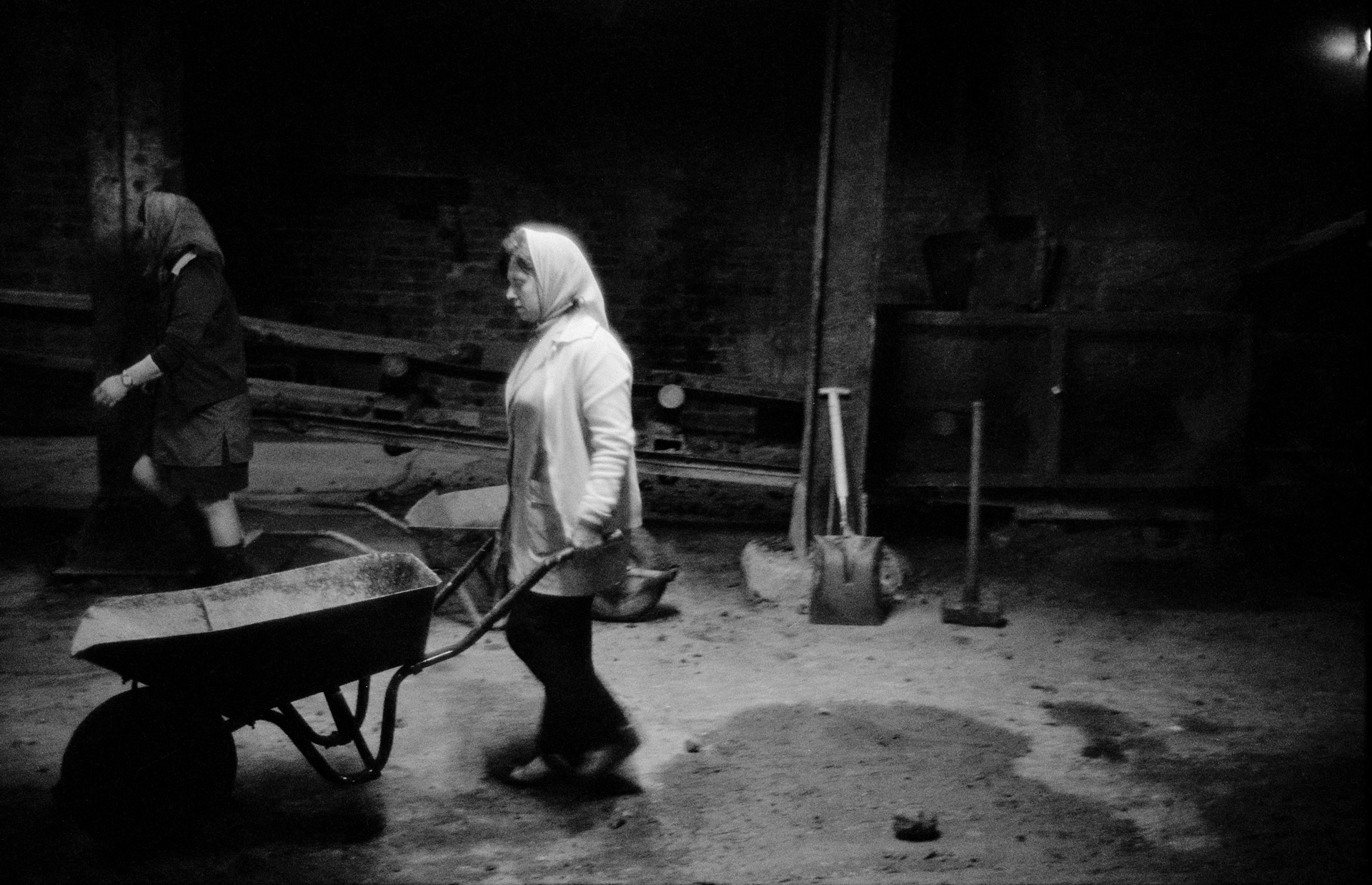Ella Napier, Labourer,  Auchinlea Brick Company, Cleland, Lanarkshire from the series 'Clydeside 1974-76', © Larry Herman, image courtesy Street Level Photoworks.
